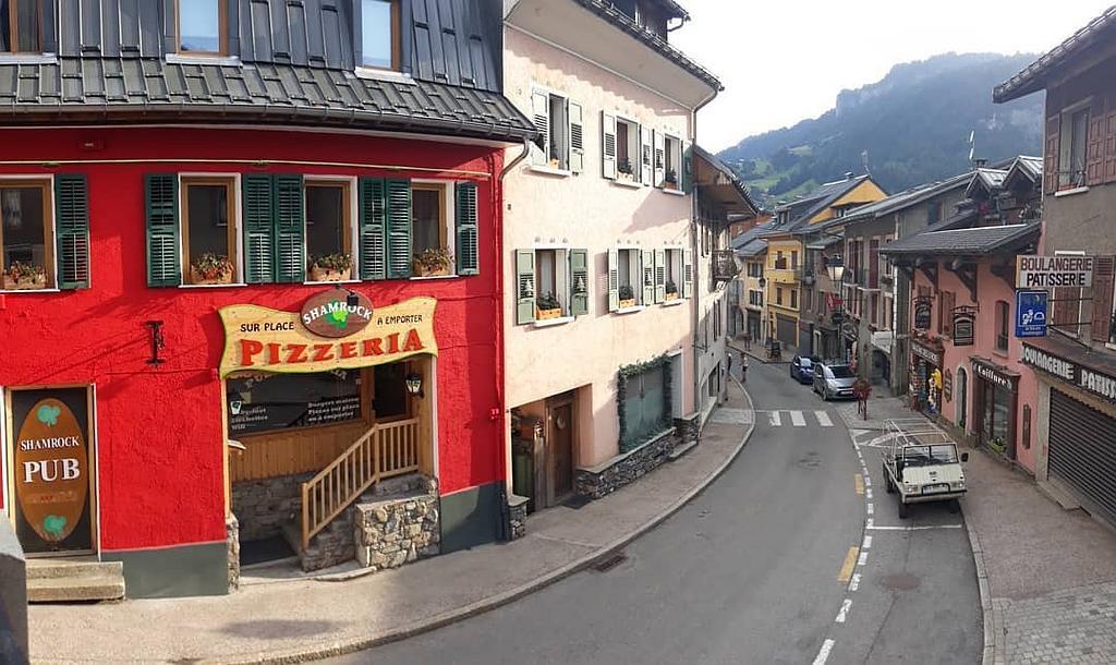 Shamrock pub pizzeria Flumet